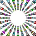 8425048-plusieurs-applications-en-un-motif-circulaire-de-boutons-de-tuiles-sur-un-fond-blanc